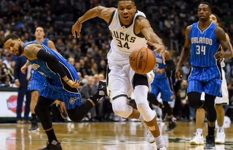 Giannis-Antetokounmpo-Milwaukee-Bucks.jpg