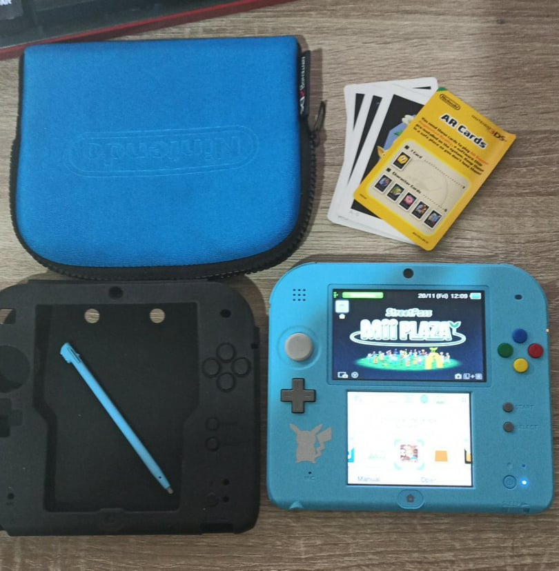 Nintendo2DSPokmonSunSpecialEditionConsole.jpg