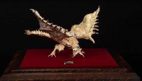 Συλλεκτικά αγαλματίδια Monster Hunter από χρυσάφι και πλατίνα