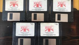 Ο John Romero πουλάει τις δισκέτες Doom 2 στο eBay