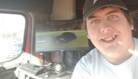 Φορτηγατζής έβαλε Gaming PC σε τριαξονικό