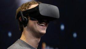 Όσοι χρήστες σβήσουν το Facebook account τους χάνουν τα Oculus games