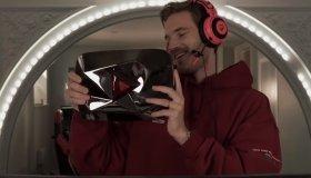 Ο Pewdiepie γίνεται ο πρώτος solo YouTuber που φτάνει 100 εκατομμύρια συνδρομητές