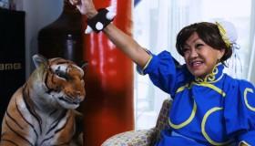 70χρονη από τη Σιγκαπούρη έκανε cosplay της Chun-Li από το Street Fighter