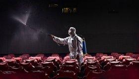 Κίνα: Άνοιξαν 700 κινηματογράφοι και έκλεισαν σε 2 μέρες