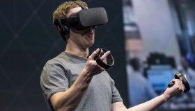 Κυκλοφόρησαν Oculus Touch Controllers που περιείχαν κρυφά μηνύματα στο εσωτερικό τους